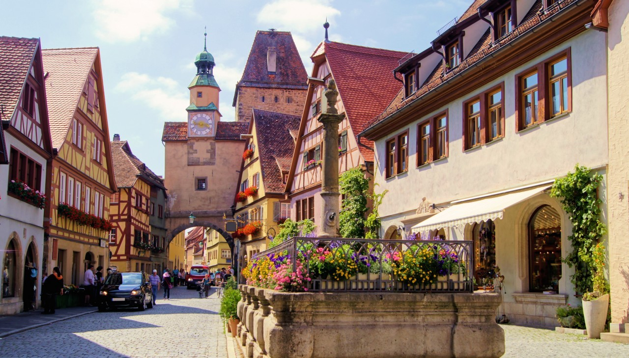 Rothenburg-ob-der-Tauber-Germany1-e1438356210220 (1)